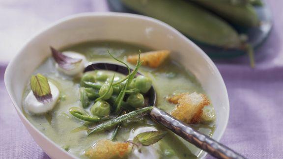 Rezept: Erbsensuppe mit Croutons