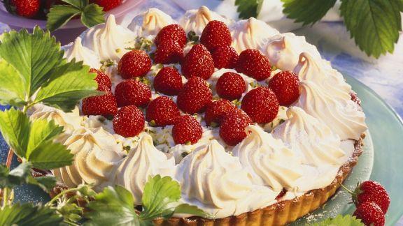 Rezept: Erdbeer-Baiser-Tarte