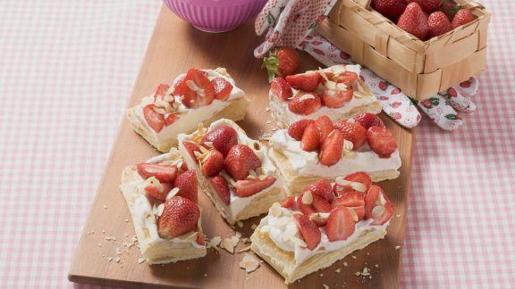 Rezept: Erdbeer-Blätterteig-Schnitten