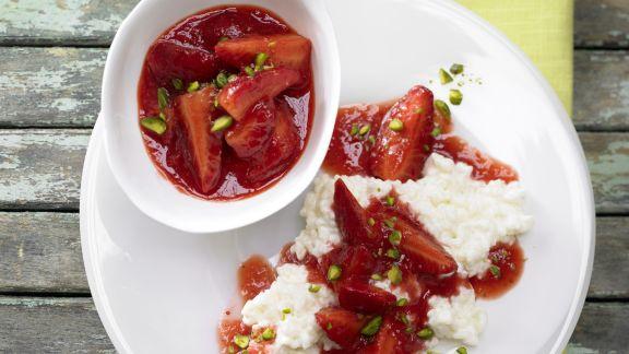 Rezept: Erdbeer-Ragout auf Milchreis