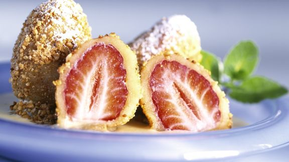 Rezept: Erdbeerbällchen mit Vanillesoße
