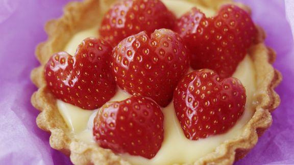 Rezept: Erdbeertartelett mit Vanillecreme