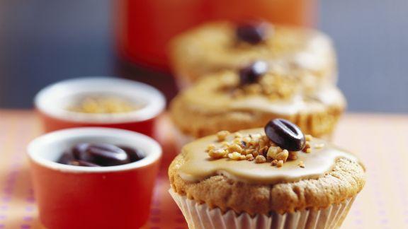 Rezept: Espresso-Muffin mit Haselnüssen