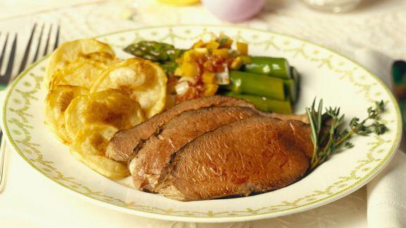 Rezept: Essen zu Ostern: Roastbeef mit Spargel und Kartoffeln