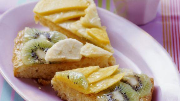 Rezept: Exotischer Obstkuchen mit Kokosboden