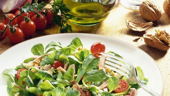 Rezept: Feldsalat mit Nüssen