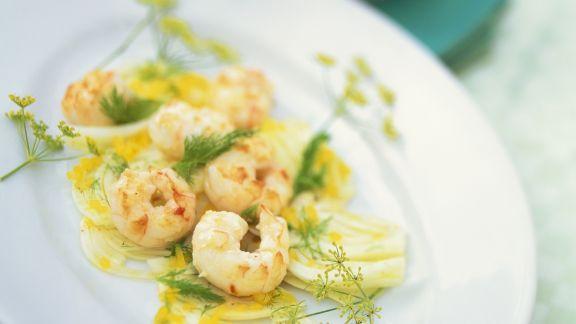 Rezept: Fenchel-Paprika-Salat mit Shrimps