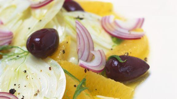 Rezept: Fenchelsalat mit Orangen und Oliven