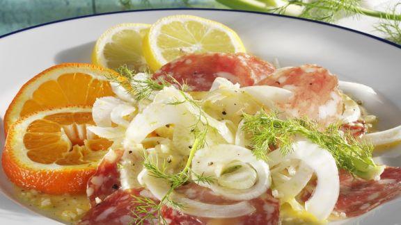 Rezept: Fenchelsalat mit Salami und Zitrusfrüchten