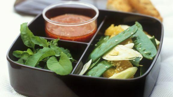 Rezept: Fenchelsalat mit Zuckerschoten und Orangen und Tomatendressing mit Senf