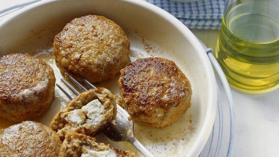 Rezept: Feta-Buletten mit Grillgemüsesalat