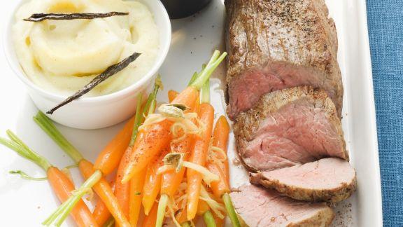 Rezept: Filet vom Kalb an Cognacsoße und Kardamon-Karotten