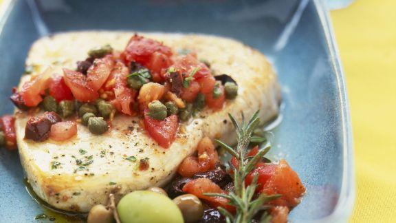 Rezept: Filet vom Schwertfisch mit Kapern-Tomaten-Salsa