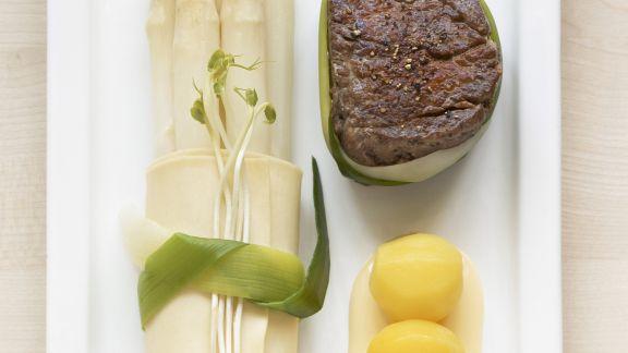 Rezept: Filetsteak mit Spargel und Safrankartoffeln