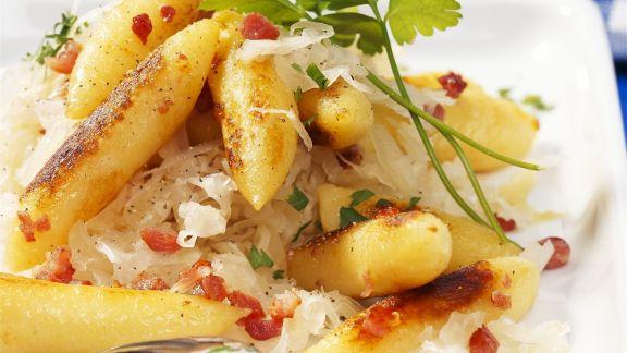 Rezept: Fingernudeln mit Sauerkraut
