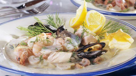 Rezept: Fisch-Meeresfrüchte-Pfanne mit Dillsoße