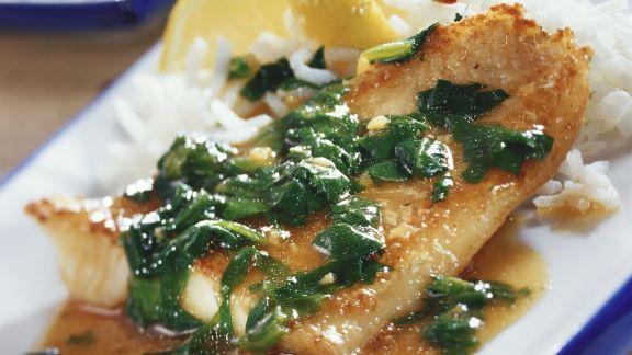Rezept: Fischfilet in pikanter Spinatsoße mit Ingwer