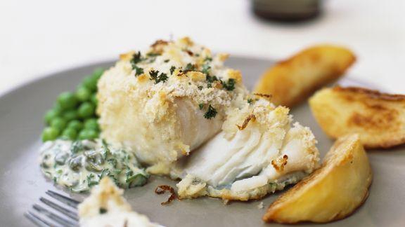 Rezept: Fischfilet mit Krümmelkruste und gebackenen Kartoffeln