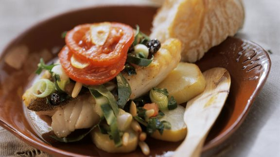 Rezept: Fischfilet mit Mangold und Pinienkernen aus Mallorca