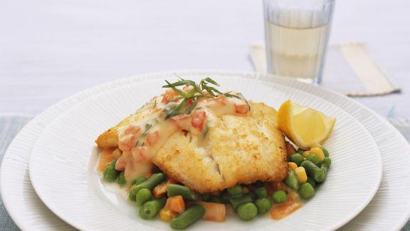 Rezept: Fischfilet mit Panade dazu junges Gemüse