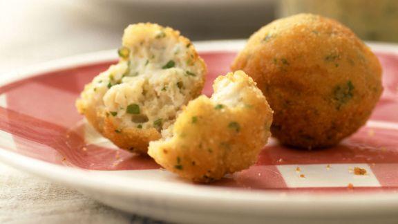 Rezept: Fischklößchen mit Senfsoße