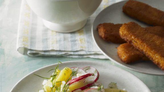 Rezept: Fischstäbchen und Kartoffelsalat mit Radieschen