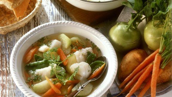Rezept: Fischsuppe mit jungem Gemüse und Kerbel