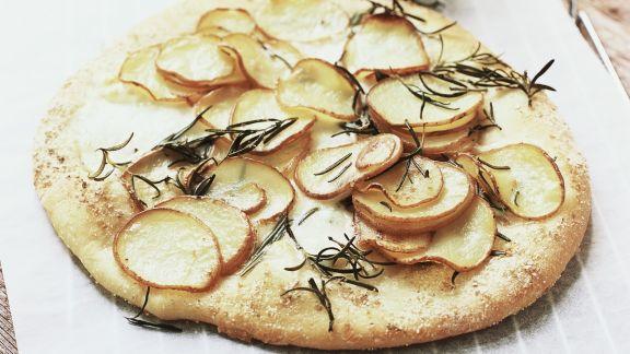 Rezept: Fladenbrot mit Kartoffeln und Rosmarin
