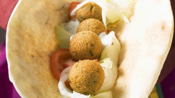 Rezept: Fladenbrot mit knusprigem Falafel