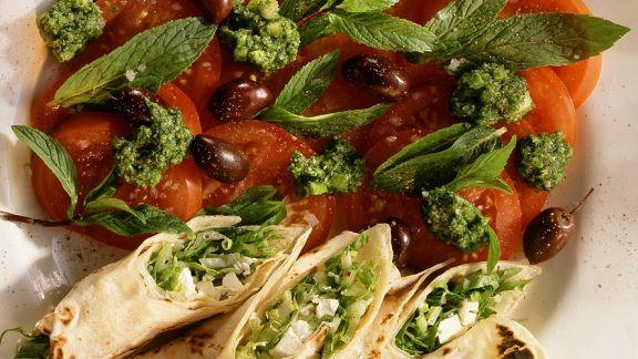 Rezept: Fladenbrotröllchen mit Tomaten