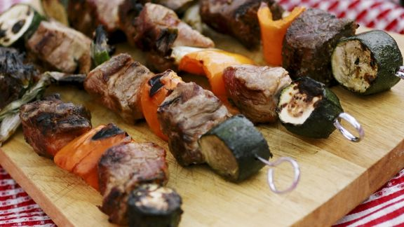 Rezept: Fleisch-Gemüse-Spieße vom Grill