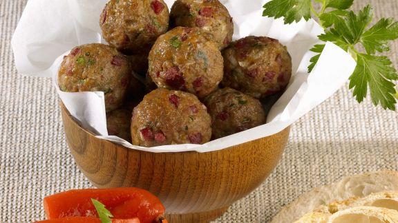 Rezept: Fleischbällchen mit Dip