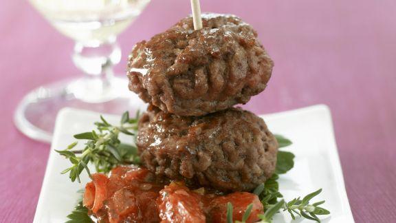 Rezept: Fleischbällchen mit Kräuter-Tomaten