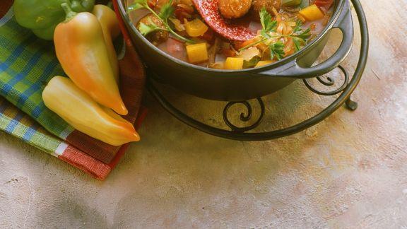 Rezept: Fleischbällchen mit Paprikaragout