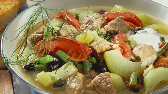 Rezept: Fleischeintopf mit Tomate und Gurke