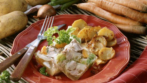 Rezept: Fleischsülze mit Bratkartoffeln