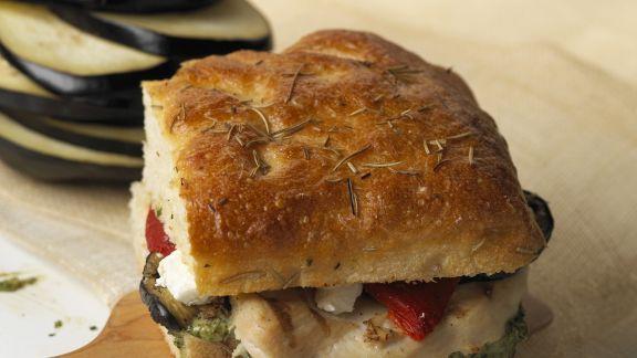 Rezept: Focaccia mit Auberginen und Hähnchen
