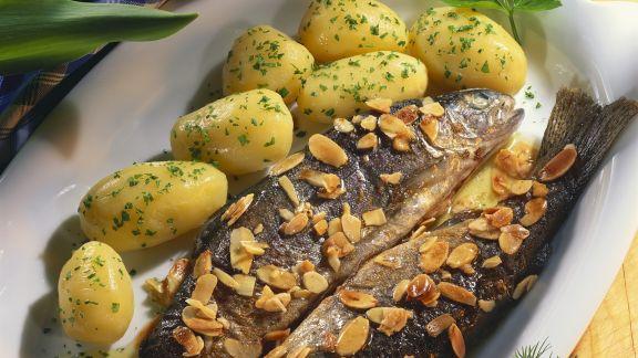 Rezept: Forellen nach Müllerin-Art mit Kartoffeln