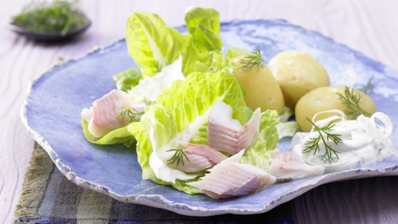 Rezept: Forellenfilets auf Salat