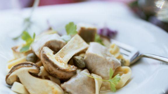 Rezept: Frikassee vom Kalb mit Kapern und Steinpilzen