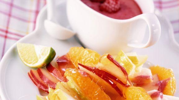 Rezept: Frischer Fruchtsalat mit Himbeerjoghurt