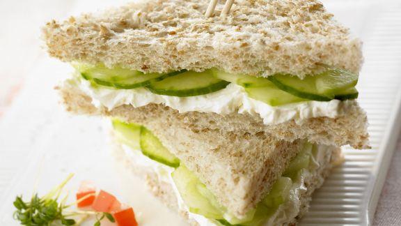 Rezept: Frischkäse-Gurken-Sandwich