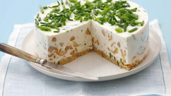 Rezept: Frischkäse-Pilz-Torte mit Schnittlauch