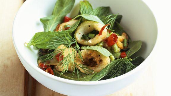 Rezept: Frittierte Calamari mit Chili und Kräutern