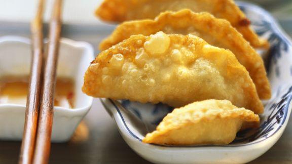 Rezept: Frittierte Wan Tan mit Kartoffelfüllung