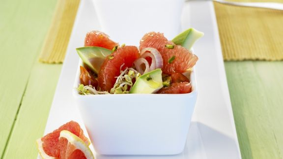 Rezept: Fruchtiger Avocadosalat mit Grapefruit
