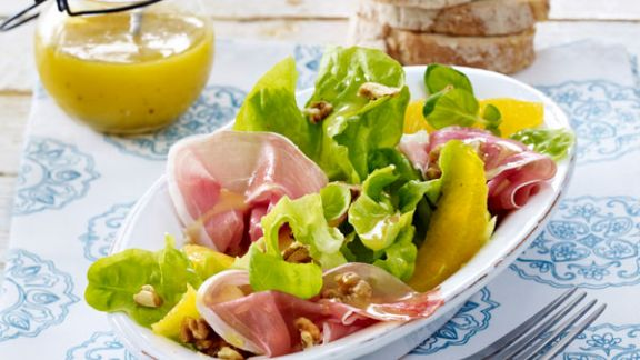 Rezept: Fruchtiger Salat mit Dijon-Senf-Dressing