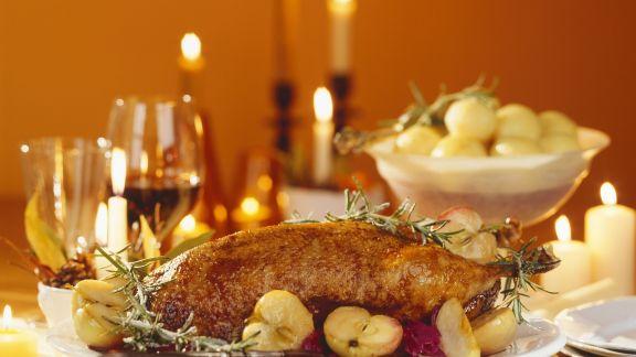 Rezept: Gänsebraten mit Apfelblaukraut zu Weihnachten