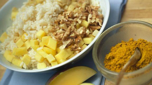 Rezept: Gänsebratenfüllung aus Curry-Reis