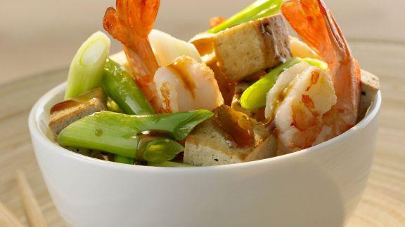 Rezept: Garnelenschwänze mit Tofu und Lauchzwiebeln